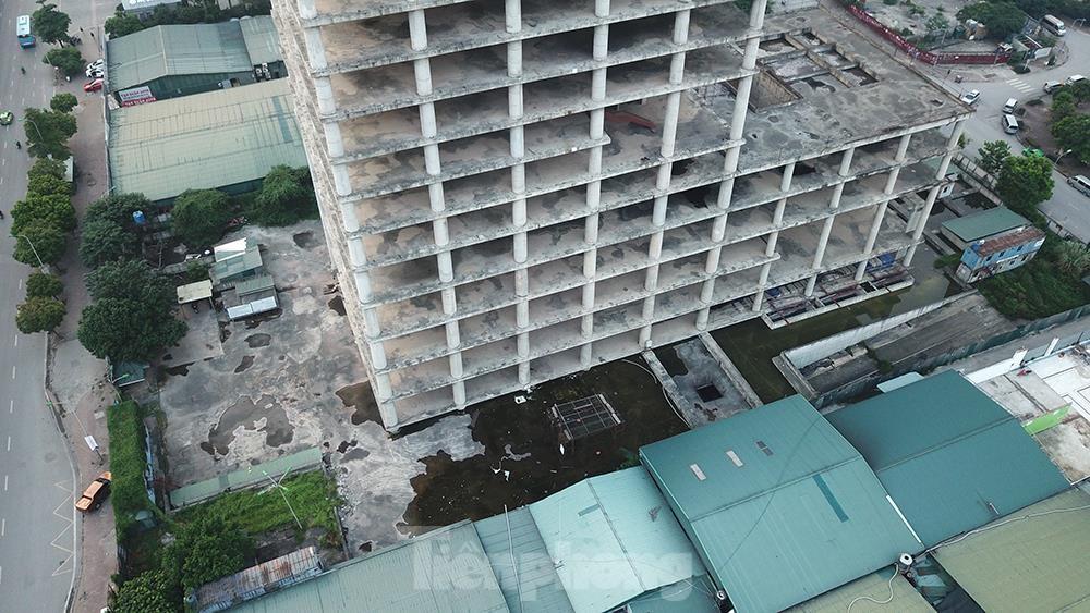 Nhìn gần tháp nghìn tỷ bị bỏ hoang lâu năm đang xin bán tại Hà Nội ảnh 5