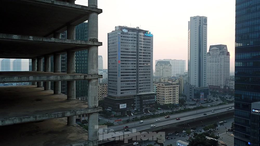 Nhìn gần tháp nghìn tỷ bị bỏ hoang lâu năm đang xin bán tại Hà Nội ảnh 9