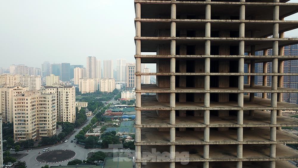 Nhìn gần tháp nghìn tỷ bị bỏ hoang lâu năm đang xin bán tại Hà Nội ảnh 12