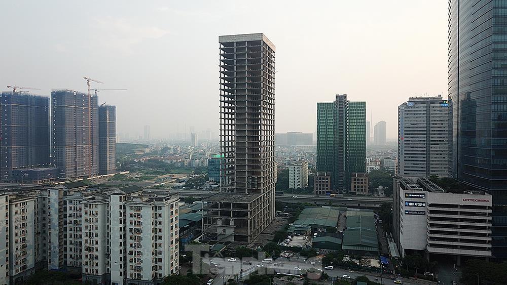 Nhìn gần tháp nghìn tỷ bị bỏ hoang lâu năm đang xin bán tại Hà Nội ảnh 13