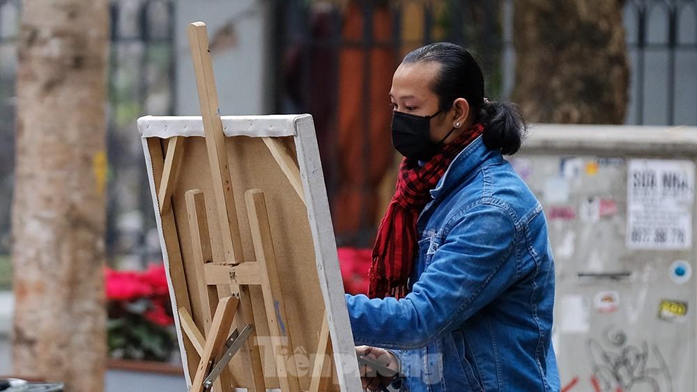 Khoảnh khắc Hà Nội vắng vẻ và bình yên sáng mùng 1 Tết Tân Sửu ảnh 10