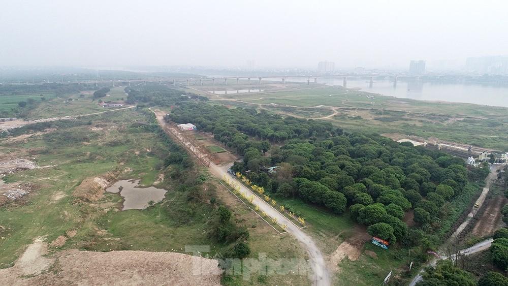 Cận cảnh quỹ đất ven sông Hồng bị ồ ạt xẻ thịt lấn chiếm, xây dựng trái phép ảnh 11