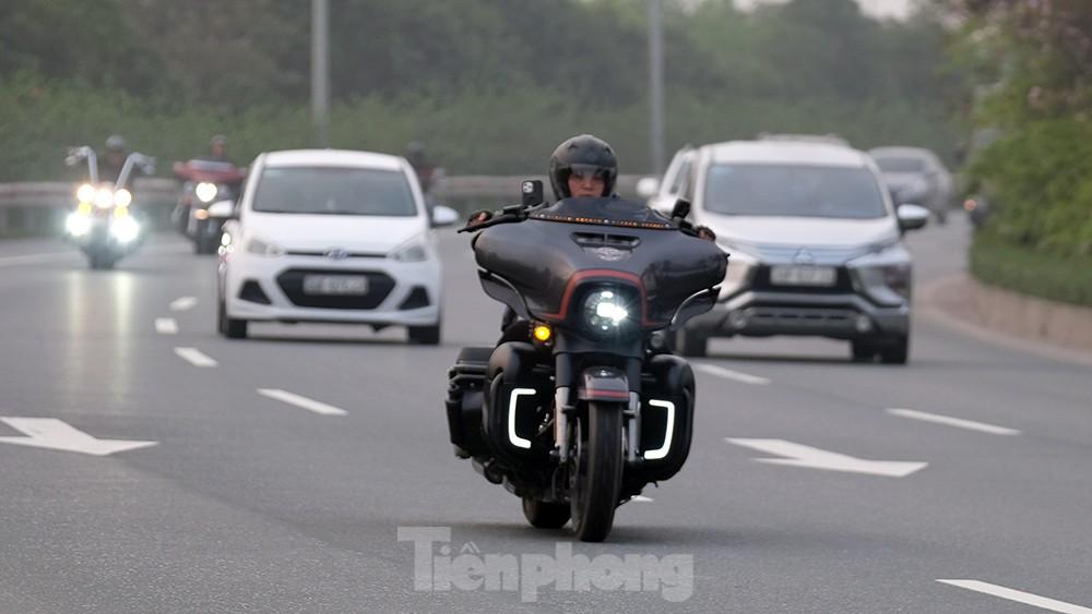 Lạnh gáy cảnh 'đua' xe đạp, lái ba gác trên đại lộ Võ Nguyên Giáp ảnh 5