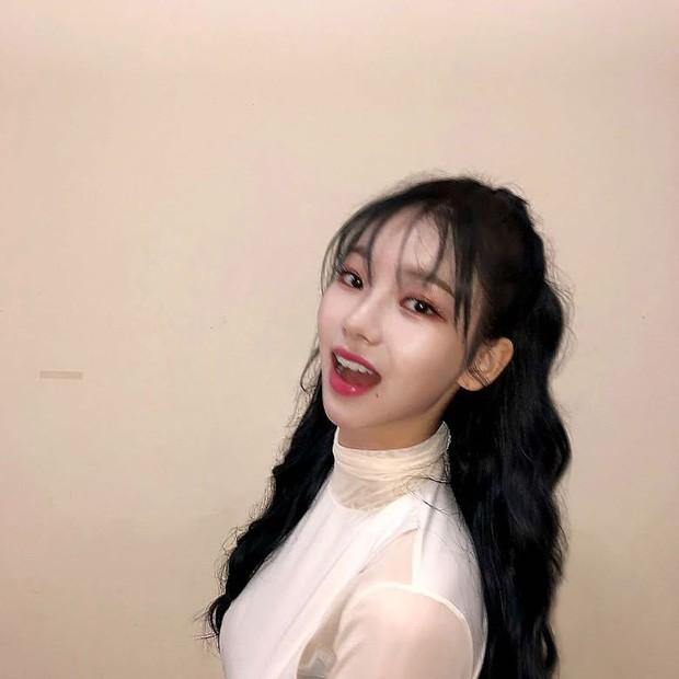 """Chỉ cần để tóc mái thưa, Karina (aespa) khiến netizen phải công nhận """"mỹ nhân thế hệ mới"""" ảnh 6"""