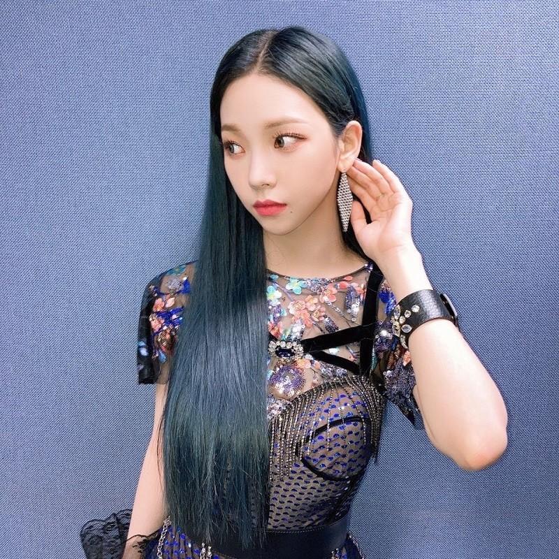 """Chỉ cần để tóc mái thưa, Karina (aespa) khiến netizen phải công nhận """"mỹ nhân thế hệ mới"""" ảnh 2"""