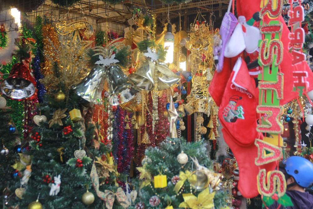 Phố Sài Gòn lung linh đón Giáng sinh ảnh 2