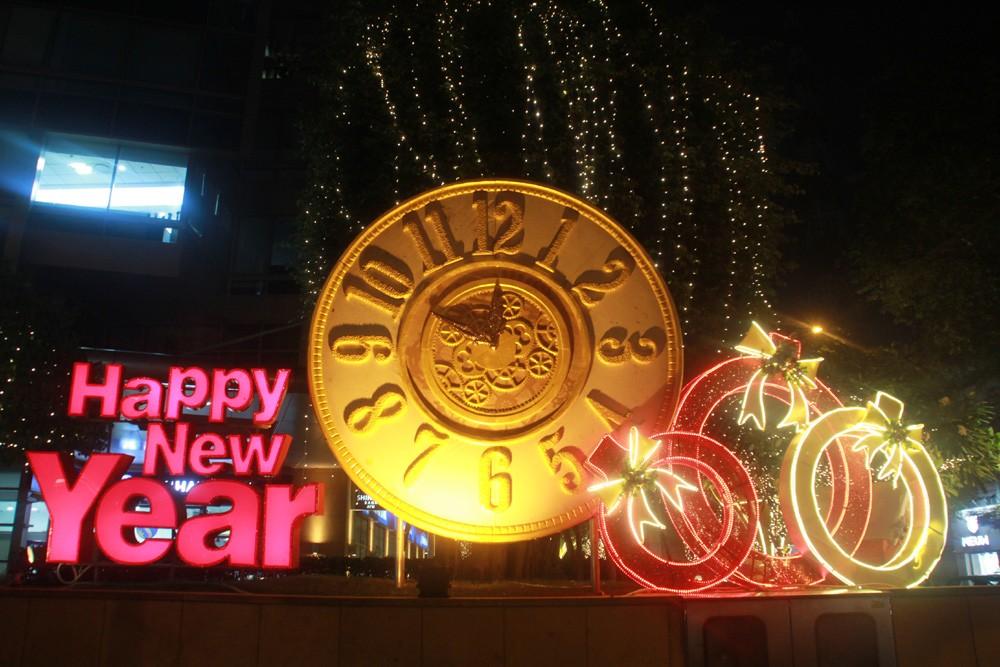 Phố Sài Gòn lung linh đón Giáng sinh ảnh 13