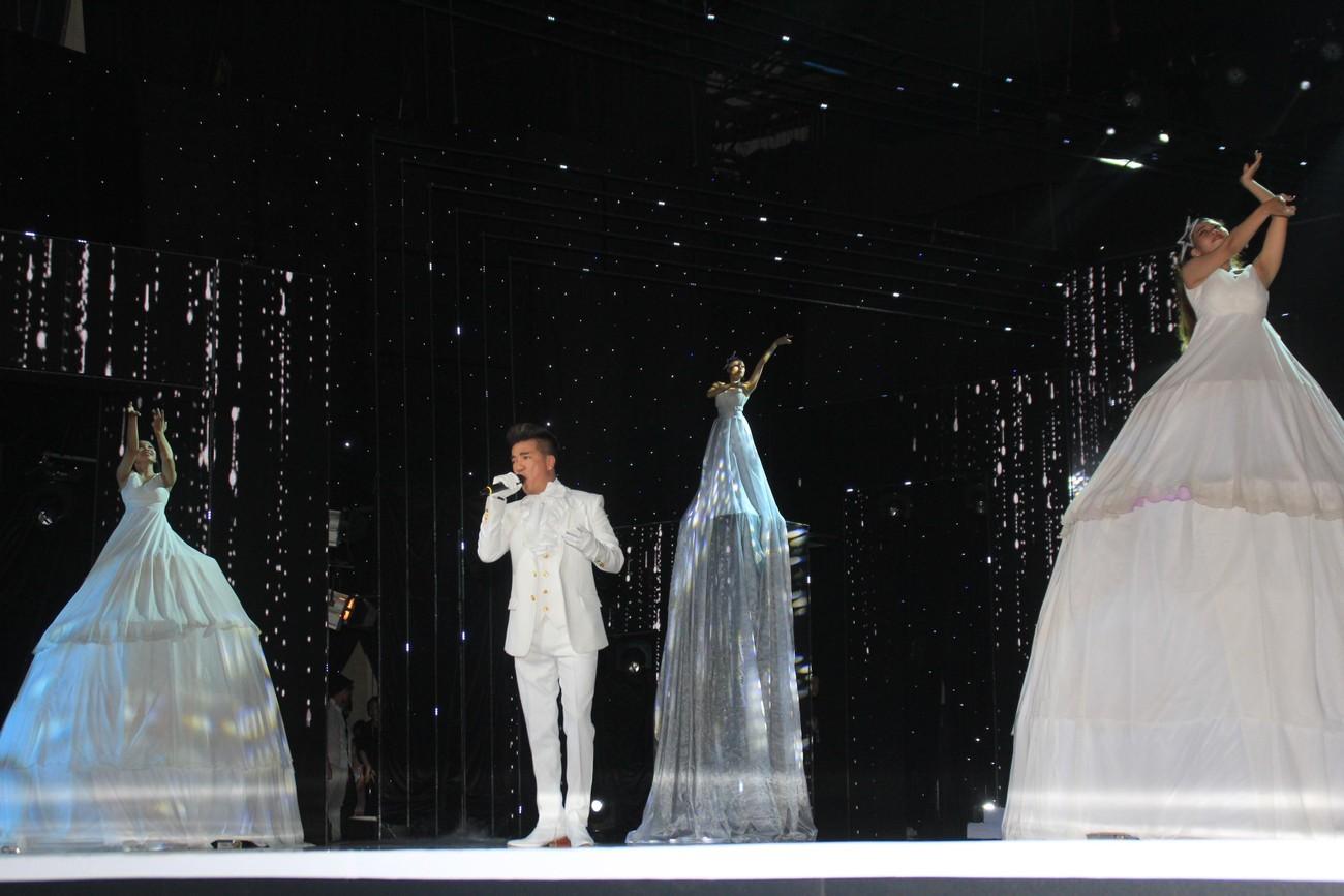 Hình ảnh ấn tượng tại đêm Chung khảo phía Nam Miss World Vietnam 2019 ảnh 13