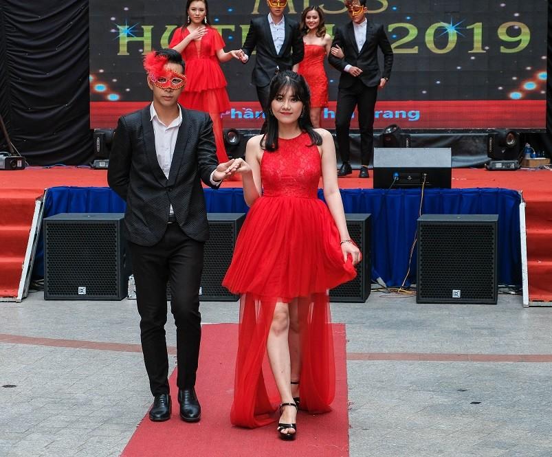 TOP 20 Miss HUTECH rạng ngời trong trang phục thời trang ảnh 9