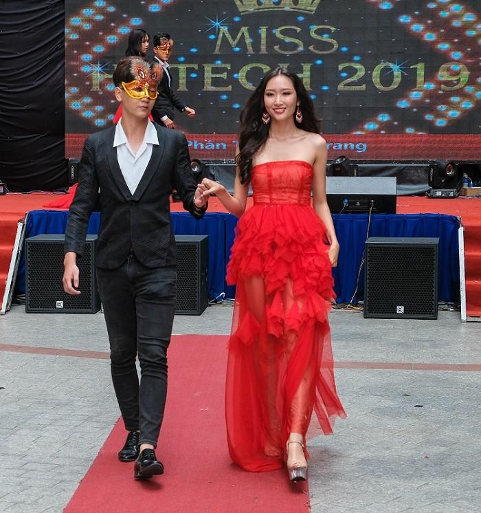TOP 20 Miss HUTECH rạng ngời trong trang phục thời trang ảnh 15