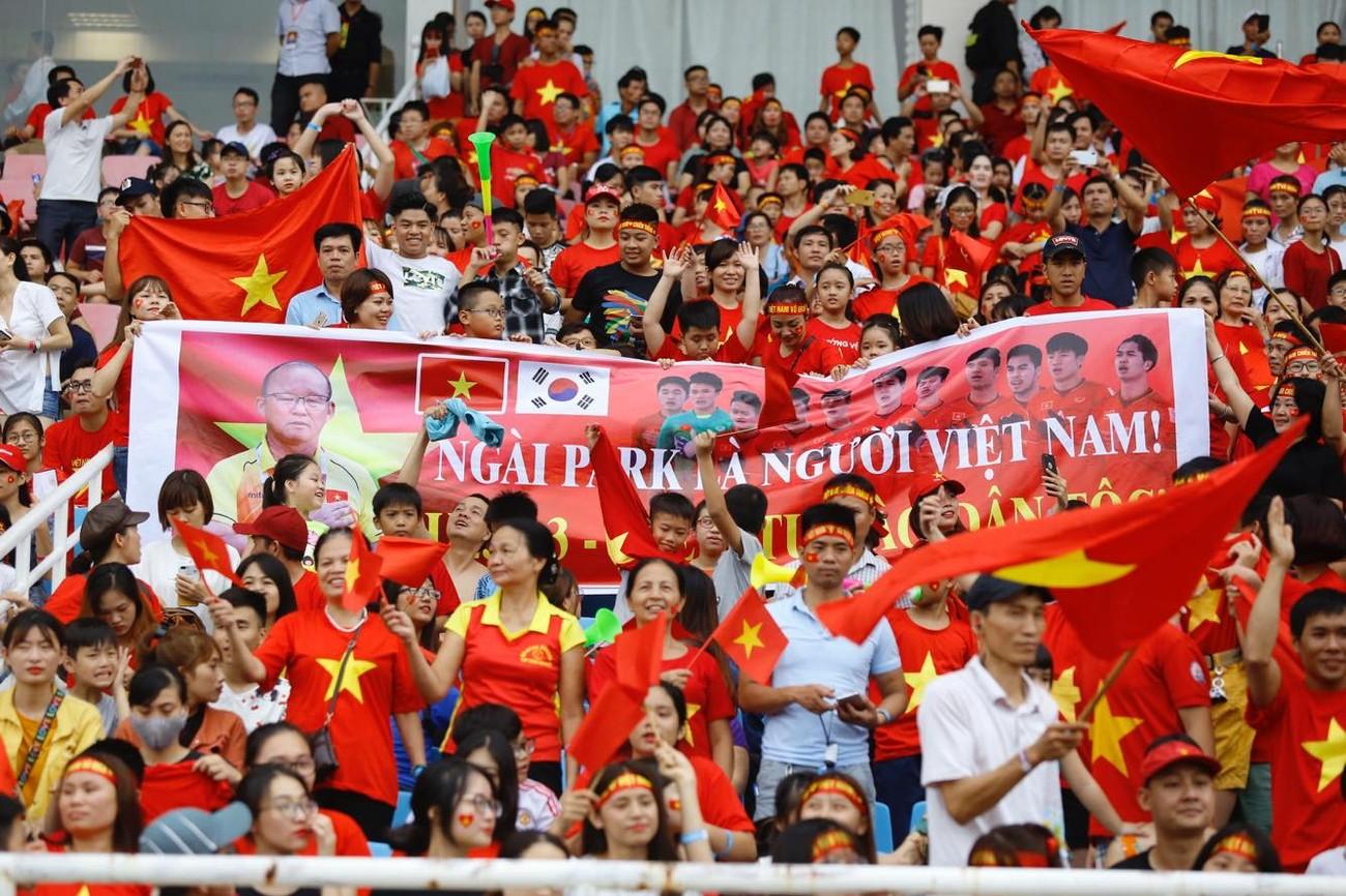 'Bay' trên sân Mỹ Đình trong ngày mừng công Thể thao Việt Nam ảnh 12