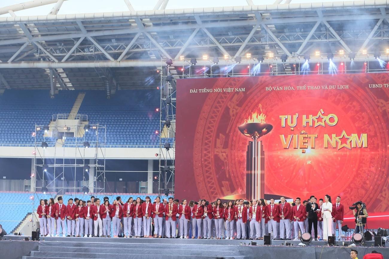 'Bay' trên sân Mỹ Đình trong ngày mừng công Thể thao Việt Nam ảnh 26