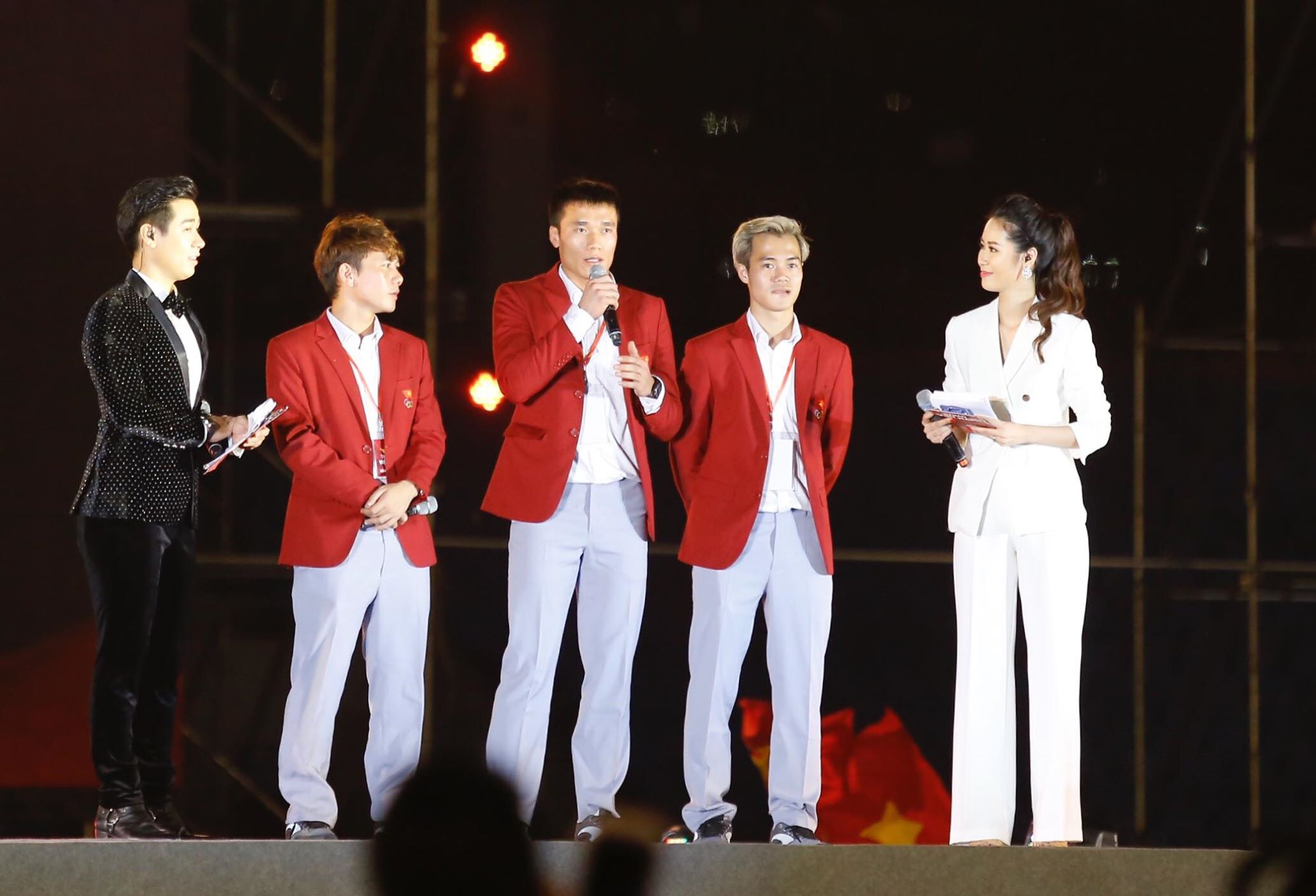 'Bay' trên sân Mỹ Đình trong ngày mừng công Thể thao Việt Nam ảnh 28