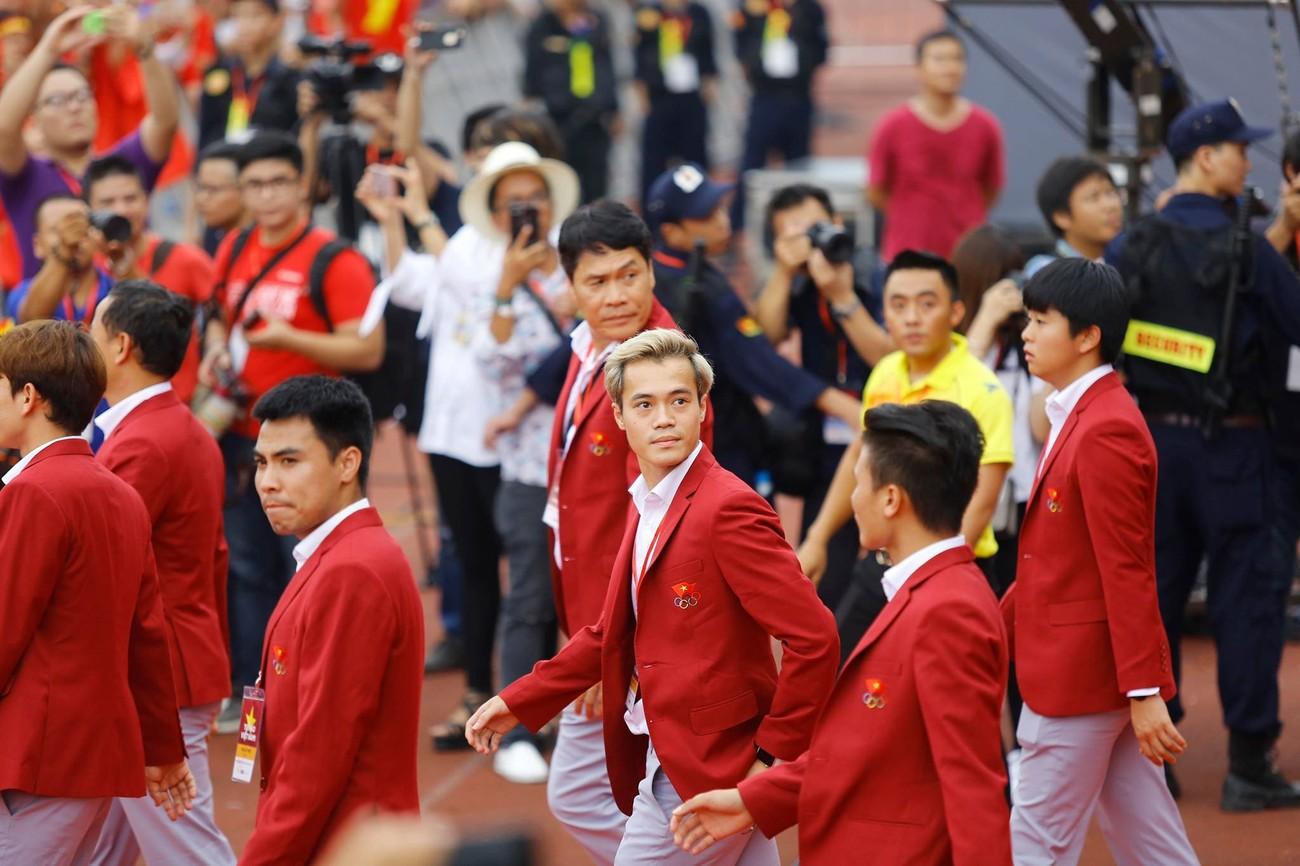 'Bay' trên sân Mỹ Đình trong ngày mừng công Thể thao Việt Nam ảnh 21
