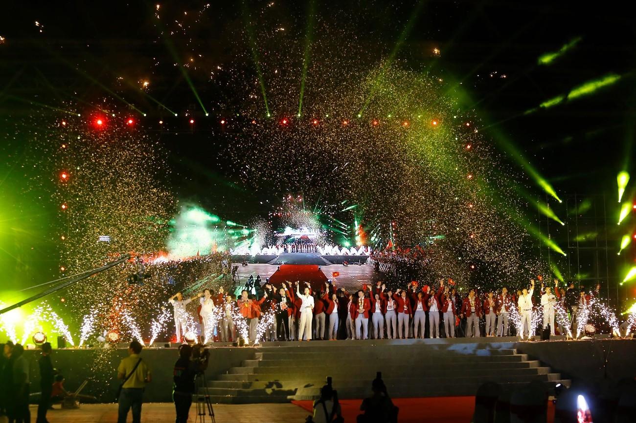 'Bay' trên sân Mỹ Đình trong ngày mừng công Thể thao Việt Nam ảnh 32