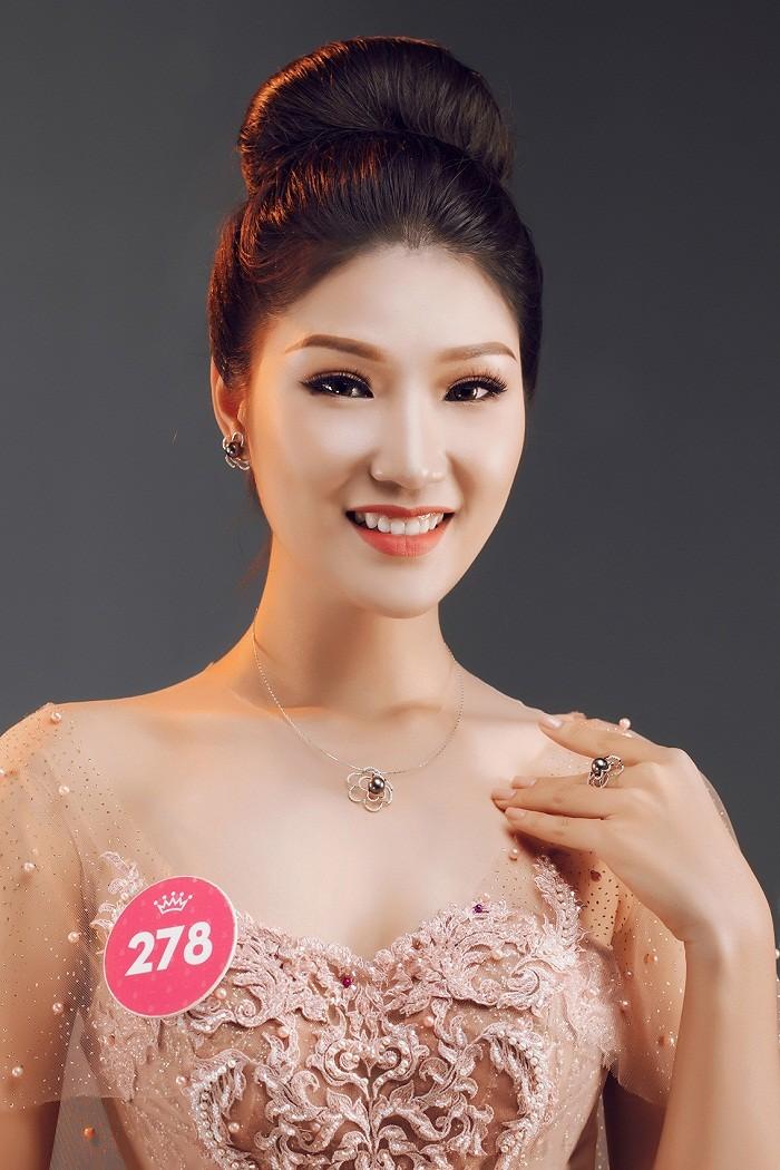 Thí sinh HHVN 2018 diện đầm dạ hội, đeo trang sức ngọc trai đẳng cấp ảnh 11