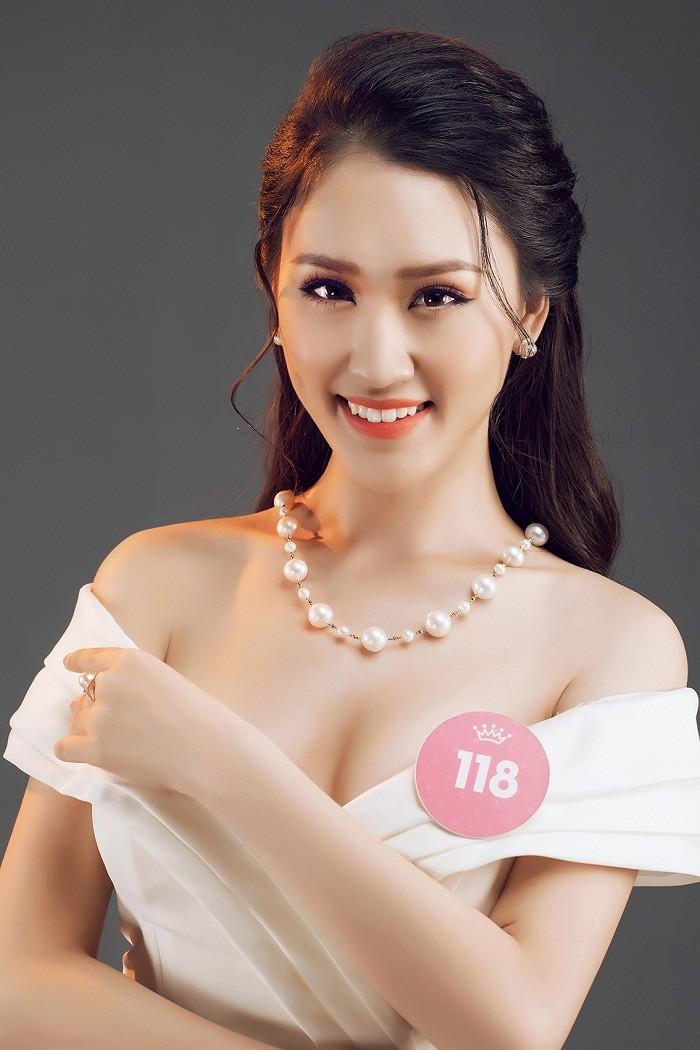 Thí sinh HHVN 2018 diện đầm dạ hội, đeo trang sức ngọc trai đẳng cấp ảnh 3