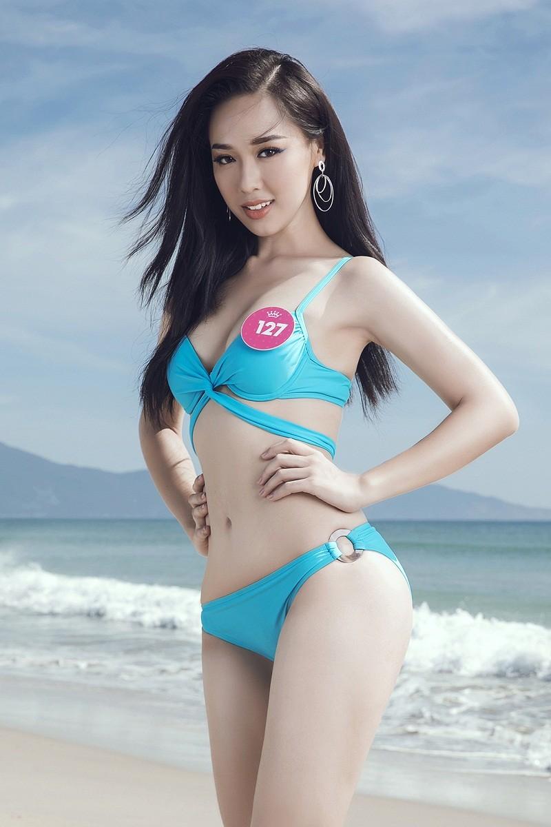 Thí sinh HHVN 2018 khoe eo thon, dáng chuẩn trên bãi biển ảnh 19