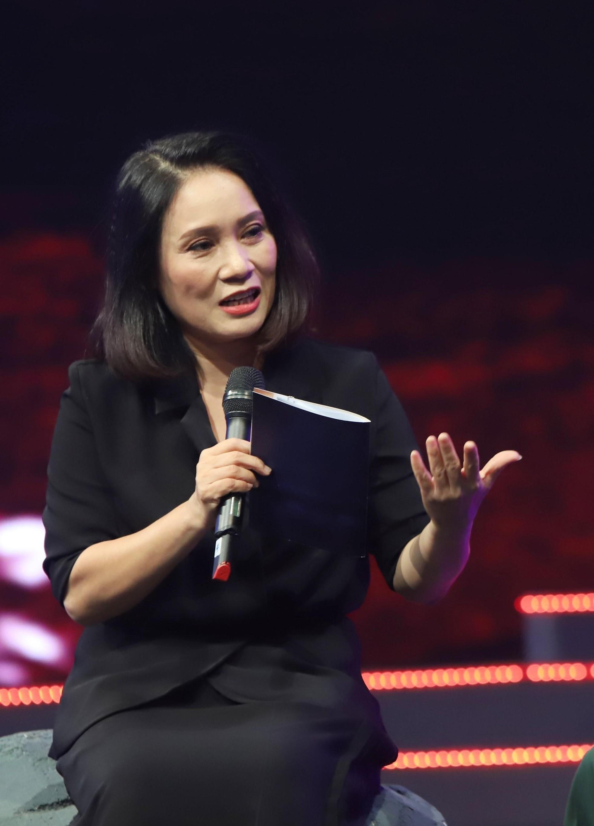 Loạt ảnh thời trẻ gây 'bão' của MC Lại Văn Sâm, Diễm Quỳnh, Tạ Bích Loan ảnh 6