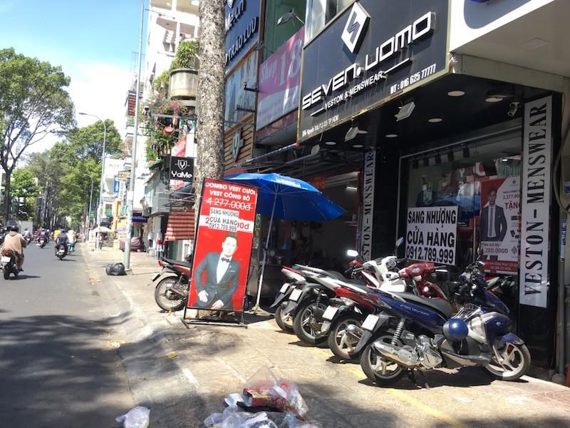 Mặt bằng 'tiền tỷ' bỏ hoang ở Sài Gòn vì dịch Covid-19 ảnh 1