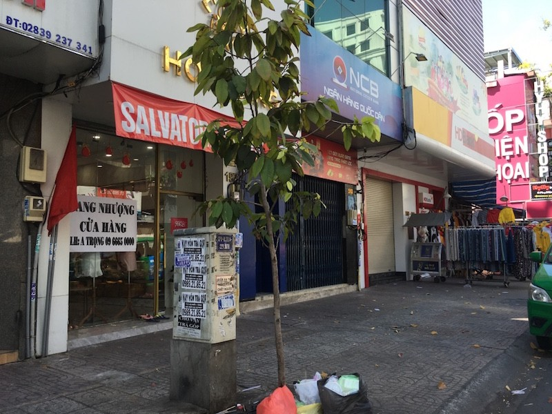 Mặt bằng 'tiền tỷ' bỏ hoang ở Sài Gòn vì dịch Covid-19 ảnh 2