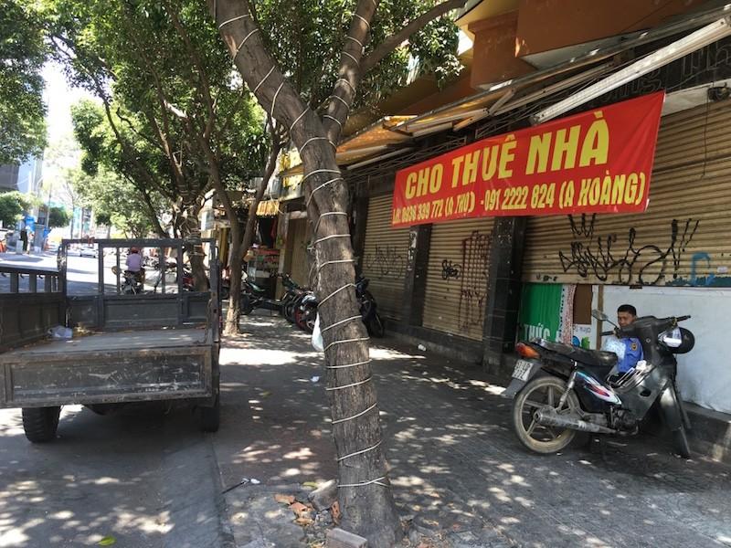 Mặt bằng 'tiền tỷ' bỏ hoang ở Sài Gòn vì dịch Covid-19 ảnh 7
