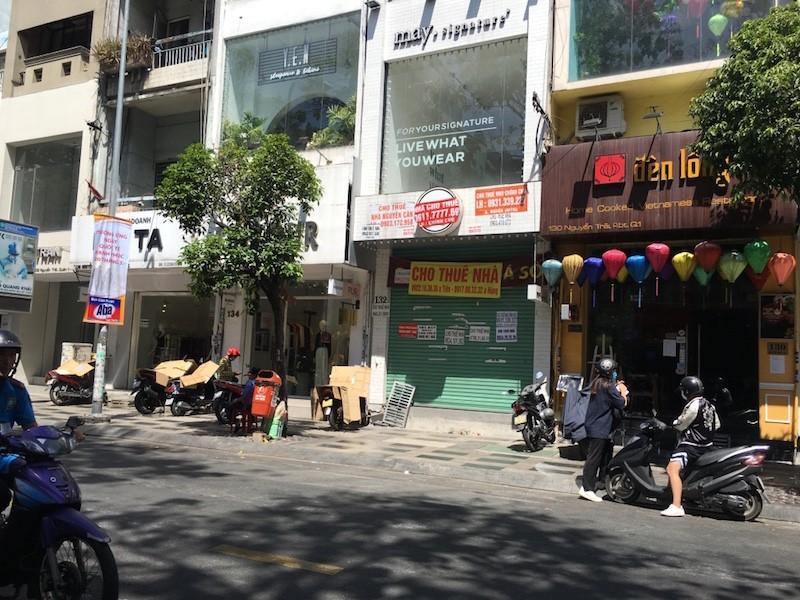 Mặt bằng 'tiền tỷ' bỏ hoang ở Sài Gòn vì dịch Covid-19 ảnh 4