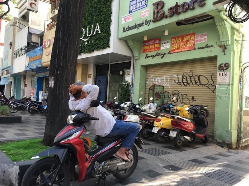 Mặt bằng 'tiền tỷ' bỏ hoang ở Sài Gòn vì dịch Covid-19 ảnh 6
