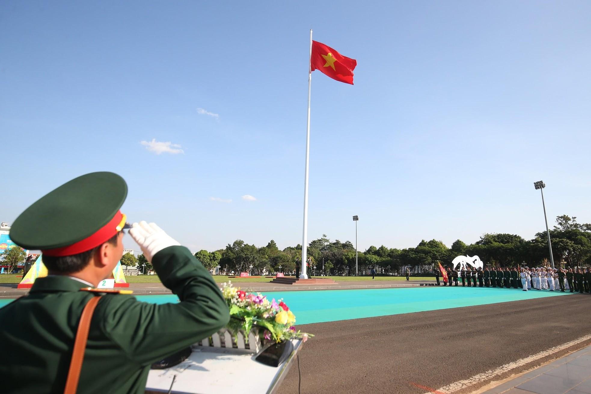 Đón xem lễ Thượng cờ trang nghiêm tại Quảng trường Đại Đoàn Kết ảnh 4