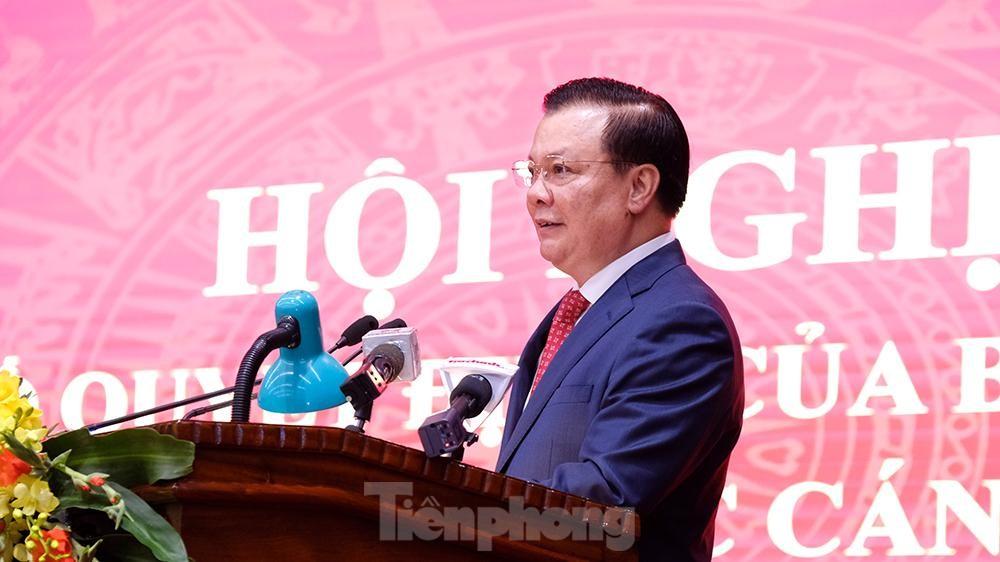 Toàn cảnh lễ trao Quyết định cho Tân Bí thư Thành uỷ Hà Nội Đinh Tiến Dũng ảnh 12