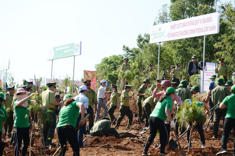 Tiền Phong Marathon 2021 chung tay vì một Việt Nam xanh ảnh 16