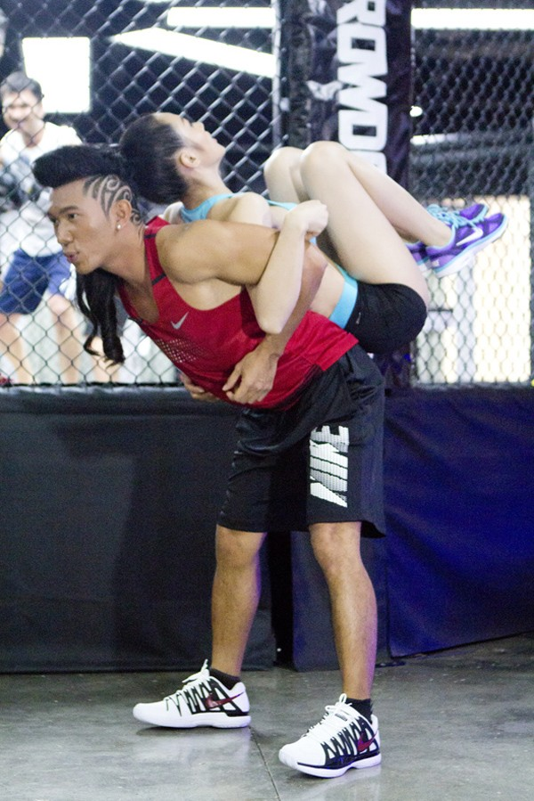 Trương Nhi eo thon gợi cảm trong phòng tập gym ảnh 5