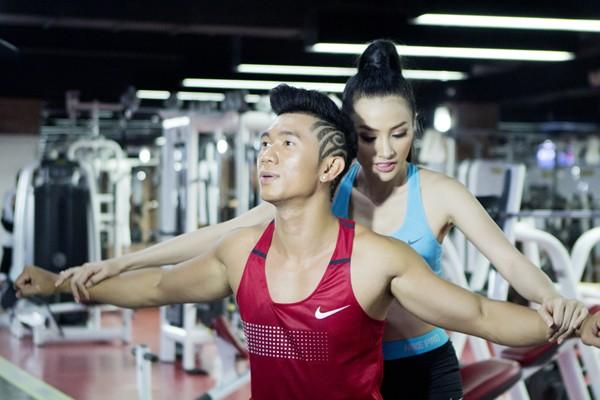 Trương Nhi eo thon gợi cảm trong phòng tập gym ảnh 8