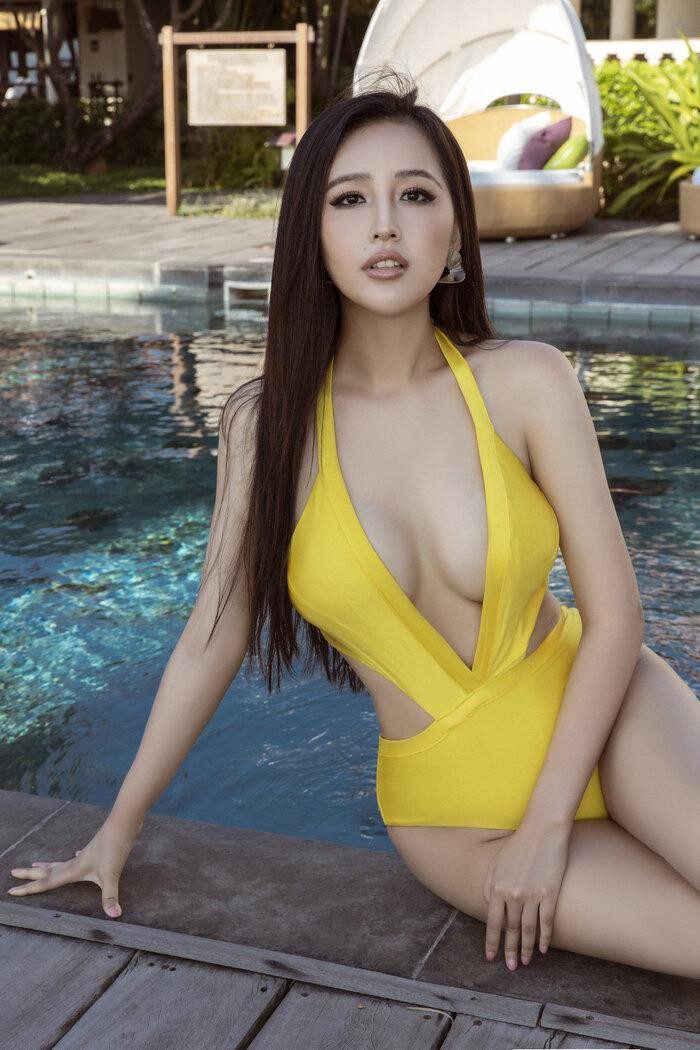 Vóc dáng 'đồng hồ cát' nóng 'bỏng mắt' của Hoa hậu Mai Phương Thúy ở tuổi 33 ảnh 5