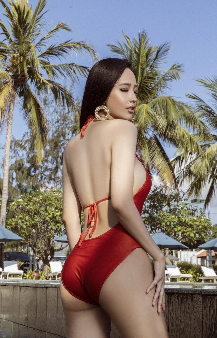 Vóc dáng 'đồng hồ cát' nóng 'bỏng mắt' của Hoa hậu Mai Phương Thúy ở tuổi 33 ảnh 4