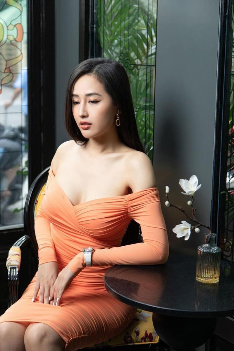 Vóc dáng 'đồng hồ cát' nóng 'bỏng mắt' của Hoa hậu Mai Phương Thúy ở tuổi 33 ảnh 15