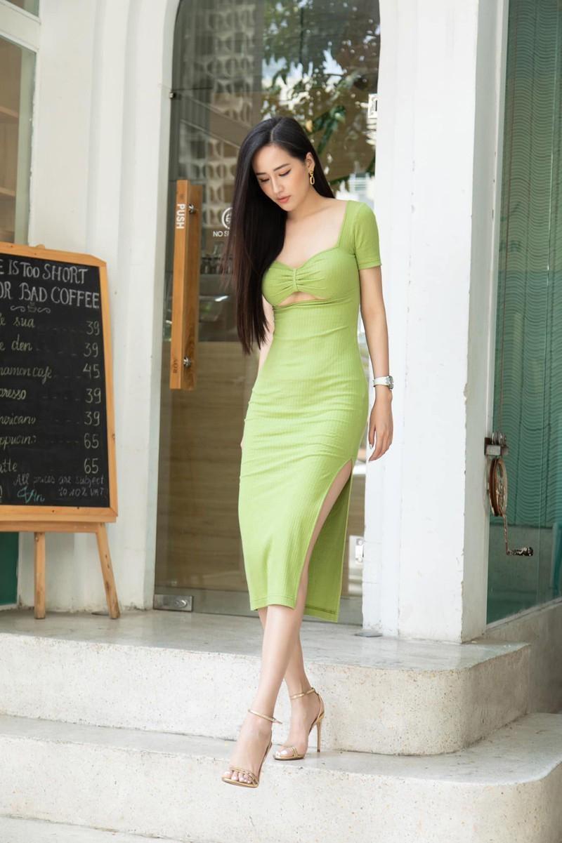 Vóc dáng 'đồng hồ cát' nóng 'bỏng mắt' của Hoa hậu Mai Phương Thúy ở tuổi 33 ảnh 14