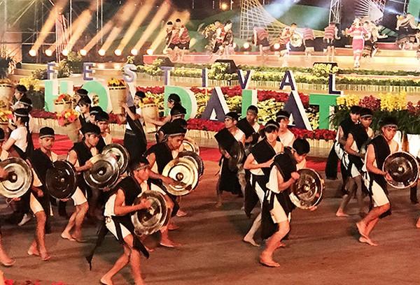 Rực rỡ đêm khai mạc Festival hoa Đà Lạt 2017 ảnh 2