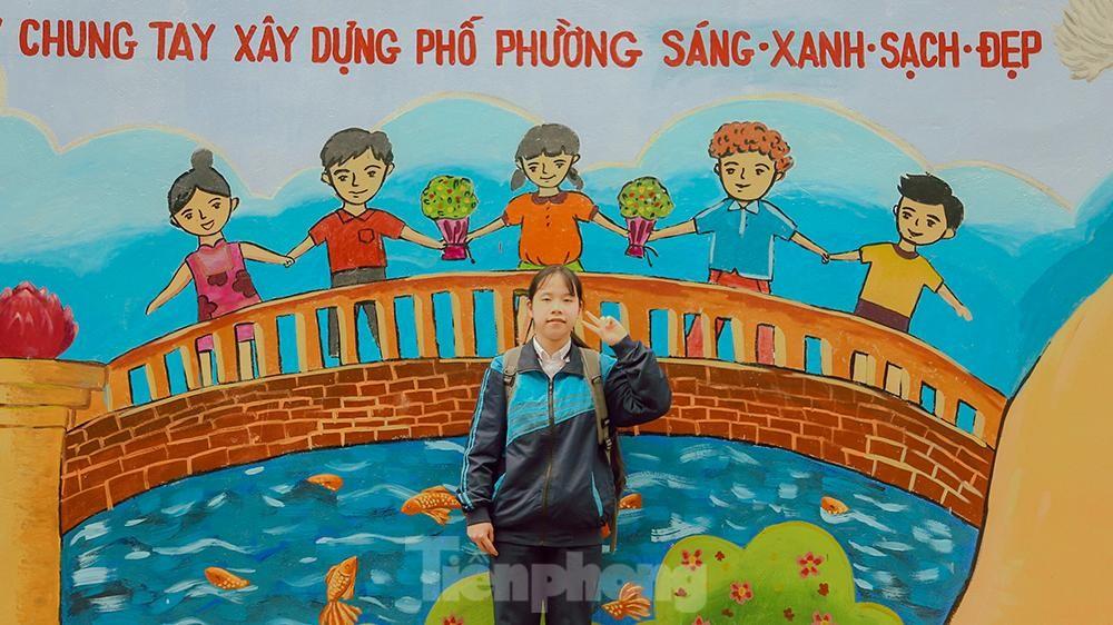 Khoác tranh bích họa lên bức tường công ty Rạng Đông sau vụ hoả hoạn ảnh 7