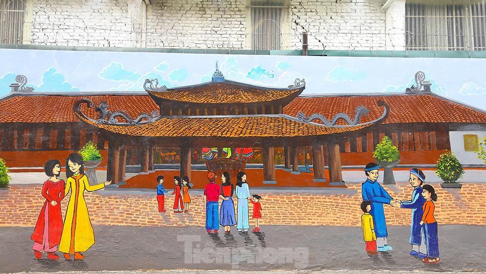 Khoác tranh bích họa lên bức tường công ty Rạng Đông sau vụ hoả hoạn ảnh 9