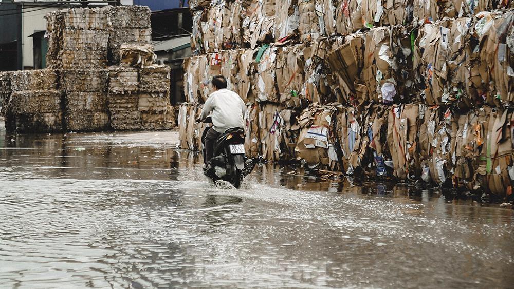 Dòng sông thơ mộng xứ Kinh Bắc ngày đêm bị 'bức tử' ảnh 10