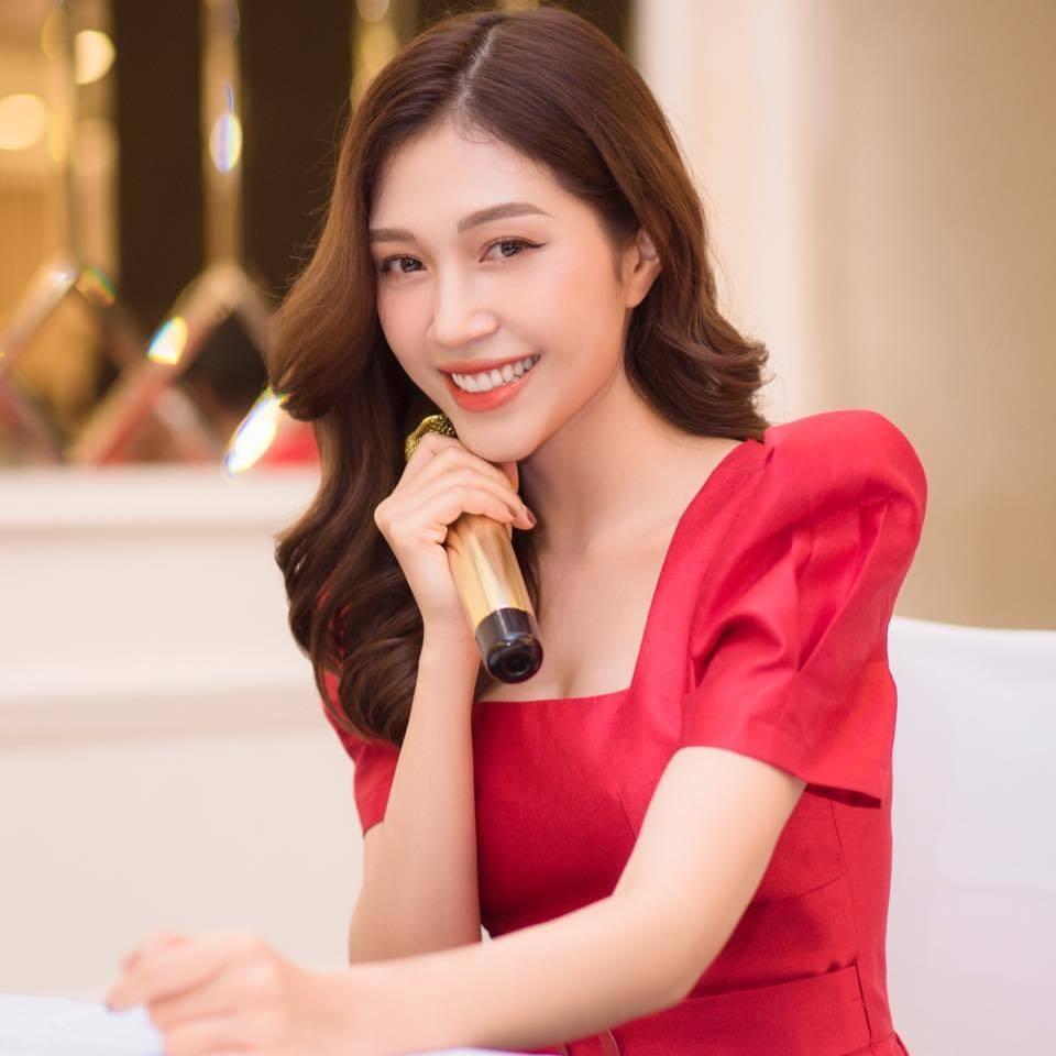 MC thể thao Ngọc Anh được tặng bút danh vì nhan sắc xinh đẹp tựa mỹ nhân Hồng Kông ảnh 1