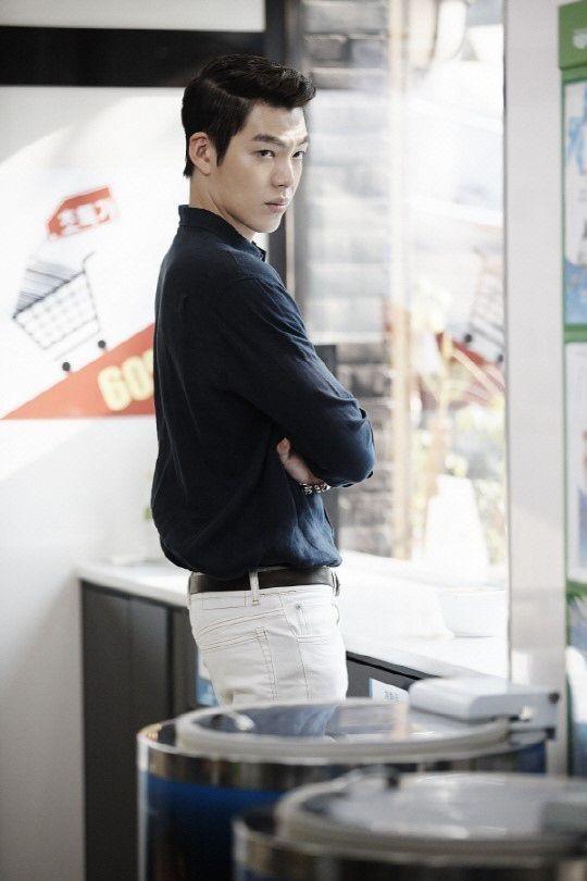 Nam thần Kim Woo Bin khoe body cường tráng, tái xuất sau thời gian điều trị ung thư ảnh 5