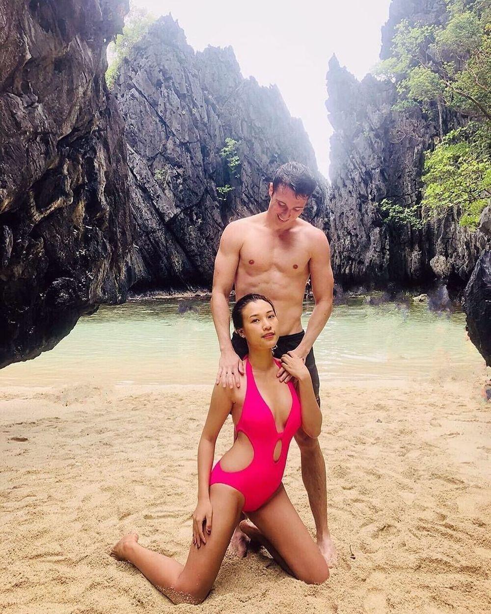 Những mỹ nhân Việt chăm diện bikini, rủ bạn trai cùng khoe body nóng bỏng ảnh 9