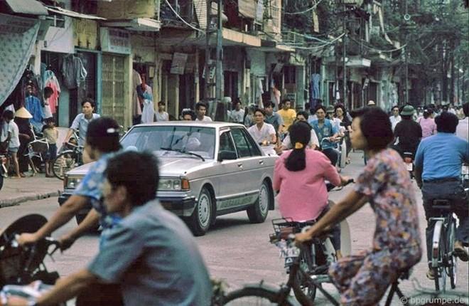 Hình ảnh độc về Hà Nội năm 1991 qua ống kính người Đức ảnh 4