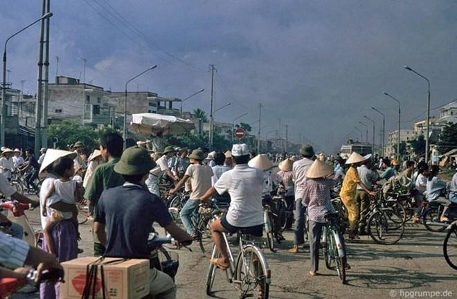Hình ảnh độc về Hà Nội năm 1991 qua ống kính người Đức ảnh 7