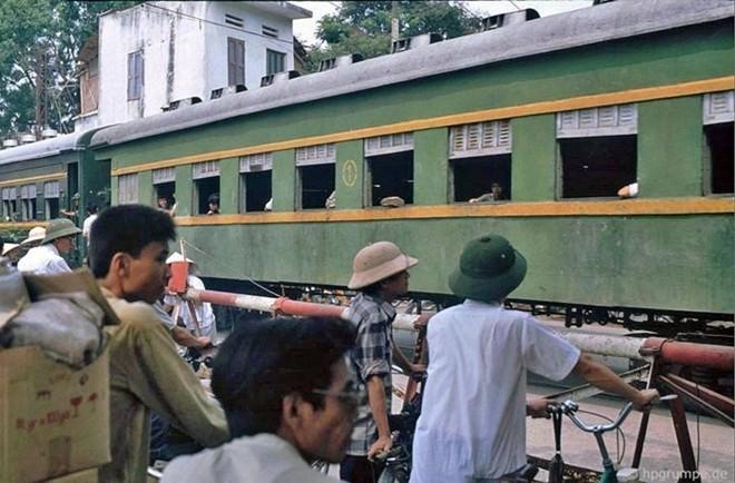Hình ảnh độc về Hà Nội năm 1991 qua ống kính người Đức ảnh 9