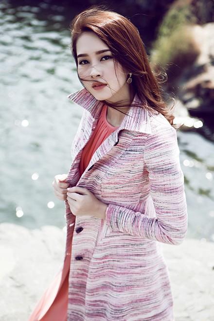 Hoa hậu Thu Thảo mong manh giữa trời đông ảnh 4