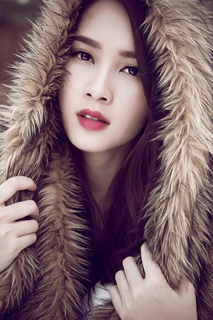 Hoa hậu Thu Thảo mong manh giữa trời đông ảnh 9