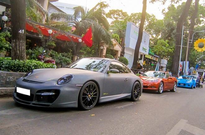 Sức mạnh dàn xe thể thao hiếm xếp hàng trên phố Sài Gòn ảnh 8